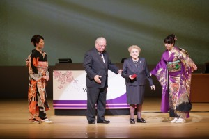 Dr. McPherson presented Gonin Medal by Dr. Bruce Spivey - WOC 2014 Opening Ceremony, Tokyo, Japan